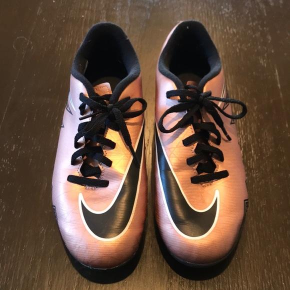 Rose Gold Nike Soccer Cleats | Poshmark